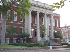 Forrest County Courthouse in, MS Hattiesburg