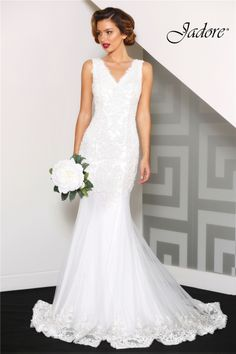 069d1709815 Beautiful wedding gowns with sleeves and bridal wedding gowns at  competitive prices! Choose a new range of beautiful wedding gowns in  Australia from Eve s ...