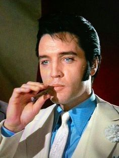 Elvis The Trouble With Girls King Elvis Presley, Elvis Presley Movies, Elvis And Priscilla, Elvis Presley Photos, Tupelo Mississippi, People Smoking, You're Hot, Famous Movie Quotes, Famous Celebrities