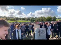 Irish man leaves funny recording for his funeral Dark Sense Of Humor, Funny Memes, Hilarious, Sad Day, Old Video, Funny Comments, Living Legends, Irish Men, Pranks