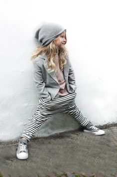 I want this outfit for myself! Rocking Ballerina Sweatblazer Dropped crotch joggers stripe Happily tee www. Cute Outfits For Kids, Cute Kids, Amusement Enfants, Look Fashion, Kids Fashion, Fall Fashion, Drop Crotch Joggers, Diy Vetement, Little Fashionista