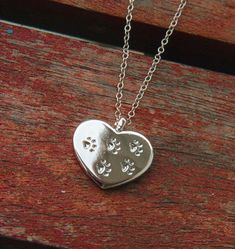 For those of us with dogs/cats who left pawprints on our heart. So true this just made me tear up Dog Jewelry, Animal Jewelry, Jewelry Box, Jewelery, Silver Jewelry, Jewelry Necklaces, Jewelry Making, Metal Clay, Crazy Cat Lady
