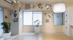 http://globalhop.indiaartndesign.com/2017/02/art-alternatives.html  Art Alternatives! Yusaku Matsuoka architects renovate a condominium in Fukuoka by maintaining an all-white shell and providing ideas of personalisation to the prospective owners. Check out the out-of-box approach and leave us your views
