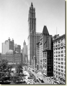 Broadway and City Hall Park from Chambers Street, Woolworth Building also pictured and City Hall Post Office. Photo from the New York State Archives. New York City Buildings, Woolworth Building, City That Never Sleeps, Great Shots, Historical Photos, Empire State Building, Old Photos, New York Skyline, Nyc