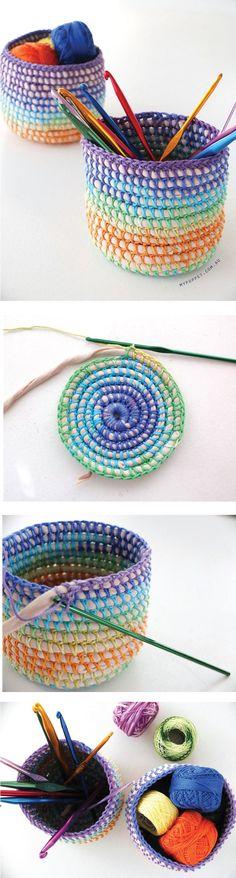 Pott haekeln                                                   … Crochet Storage, Crochet Diy, Crochet Home, Love Crochet, Crochet Gifts, Learn To Crochet, Crochet Doilies, Crochet Ideas, Knitting Patterns