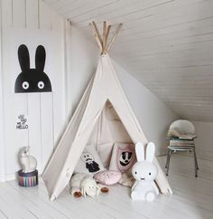 A kid's dream come true: His or her very own teepee! A teepee makes a perfect spot to read a book, play a game with a sibling, or host friends for a sleepover. Kids Corner, Play Corner, Nursery Room, Kids Bedroom, Nursery Decor, Room Baby, Room Decor, Diy Tipi, Tipi Tent