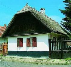 Country Life, Hungary, Feng Shui, House Design, Cabin, House Styles, Home Decor, Decoration Home, Room Decor