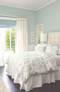 soft and pretty Decoration Bedroom, Home Decor Bedroom, Bedroom Furniture, Bedroom Retreat, Diy Bedroom, Bedroom Designs, Cheap Furniture, Bedroom Wall, Bedroom Decor For Couples Romantic