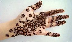 we provide you latest and beautiful Eid mehndi designs for girls 2013 .Eid mehndi designs are the trendiest question among all the Asian girls.mehndi designs for hands,kids,beginners,Indian, Pakistani . Pakistani Mehndi Designs, Eid Mehndi Designs, Latest Arabic Mehndi Designs, Mehndi Design Images, Simple Mehndi Designs, Arabic Design, Indian Mehendi, Henna Hand Designs, Mehandi Design For Hand