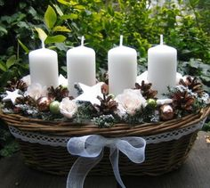 Vánoce něžně / Zboží prodejce Silene | Fler.cz Advent Wreath Candles, Christmas Advent Wreath, Silver Christmas Decorations, Christmas Card Crafts, Christmas Room, Xmas Wreaths, Christmas Candles, Noel Christmas, Christmas Centerpieces