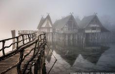 Florian Waldenmaier, ANNO // DOMINI, #BlendeFotowettbewerb   Das Bild ist entstanden an den Pfahlbauten Unteruhldingen am #Bodensee. Durch das neblige #Wetter an diesem Tag, konnte eine tolle mystische Stimmung eingefangen werden. Man fühlte sich in die damalige Zeit regelrecht zurückversetzt.
