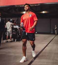 Swag Outfits Men, Soccer Outfits, Mode Outfits, Summer Outfits Men, Hype Clothing, Mens Clothing Styles, Nba Fashion, Streetwear Fashion, Black Men Street Fashion