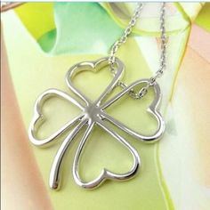 Silver 4 leaf clover necklace New Jewelry Necklaces