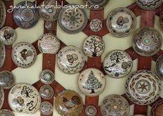 Gând Călător: Verde de Hurezi (II) Ceramica tradiţională/La céramique traditionnelle de Horezu Horezu, un des plus importants centres de la poterie roumaine Nespresso, Coffee Maker, Kitchen Appliances, Green, Terracotta, Pottery, Coffee Maker Machine, Diy Kitchen Appliances, Coffee Percolator