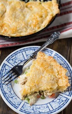 Skillet Chicken Pot Pie with Cheddar Crust is a delicious and filling one dish meal. The filling is cooked on the stove, covered with pie crust, and popped in the oven. Iron Skillet Recipes, Skillet Cooking, Cast Iron Recipes, Cast Iron Cooking, Skillet Meals, Fire Cooking, Oven Cooking, Camping Meals, Backpacking Meals