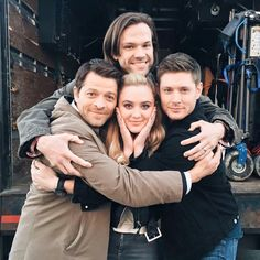 Claire, Dean, Sam, and Cas There is too much pretty in this picture! I can't handle it.