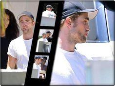Robert Pattinson Se Divertindo Com Os Amigos Em West Hollywood - 02.08.2014  Robert Pattinson foi fotografado no último dia 02 de agosto, sábado, juntamente com alguns amigos em uma casa em West Hollywood, na Califórnia, em Los Angeles. Abaixo, seguem algumas imagens em HQ da aparição: