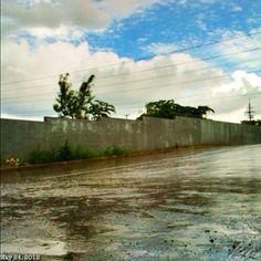 雨季だ #rainy #season #blue #sky #cloud #rain #philippines #フィリピン #青空 #雲 #雨