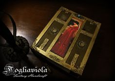 Byzantine Journal - Available now on Fogliaviola.com ! #fantasy #byzantinedesign #byzantineempire #medieval #medioevo #bookstagram #books #journal #etsy #etsyseller #waterhouse #handmadejournal #christmasgifts #idearegalo #art #collection #uniquegift #uniquedesign #original #unique #design #fogliaviola #byzantine