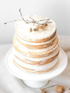 Naked cake exotique sans gluten, fruits de la passion et coco