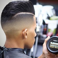 """Very clean Mid Fade x Combover done by @ichelo_thebarber Phenomenal #BlendWork…"