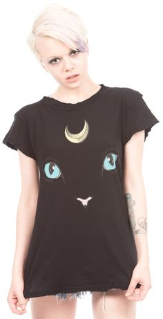 if this shirt isn't an homage to Luna from Sailor Moon, then I don't know what is.