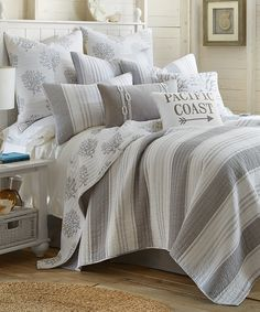 See your dreams of coordinated comfort come true when you make up the bed with this all-cotton set.
