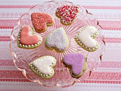 Suzy Social Worker by Day.... Betty Crocker By Night...: Simple Valentine Cookies