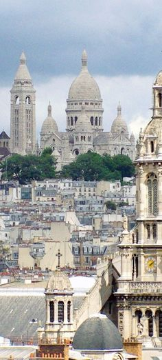 The basilica of Sacré-Cœur atop the hill of Montmartre, Paris. #Paris #Montmartre #VisitParis