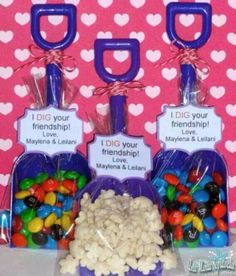 """""""I dig your friendship"""" valentines with shovel and food. Awesome for kids to give to their friends."""