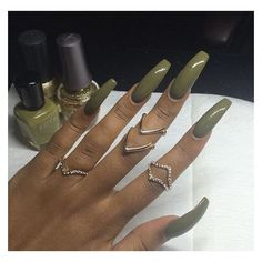 On average, the finger nails grow from 3 to millimeters per month. If it is difficult to change their growth rate, however, it is possible to cheat on their appearance and length through false nails. Perfect Nails, Gorgeous Nails, Pretty Nails, Coffin Nails, Exotic Nails, Nail Ring, Nail Nail, Dope Nails, Long Acrylic Nails