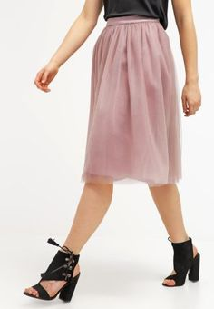 Fusta tulle roz midi Chi Chi, Midi Skirt, Costumes, London, Purple, Casual, Skirts, Fashion, Tulle