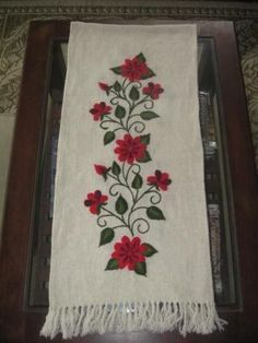Flower Embroidery Designs, Vintage Embroidery, Ribbon Embroidery, Flower Patterns, Applique Fabric, Felt Applique, Felt Fabric, Applique Templates, Embroidered Clothes
