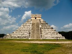Pirâmide de Chichén Itzá, Capital do - Império Maya.
