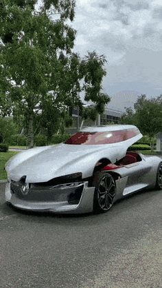 Science Discover This is the Renault Trezor one of the most advanced concept cars. Exotic Sports Cars, Cool Sports Cars, Exotic Cars, Cool Cars, Maserati, Bugatti, Supercars, Top Luxury Cars, Lamborghini Cars