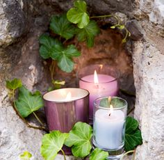 Oh yes! Love the stone, love the candles, love the greens..!