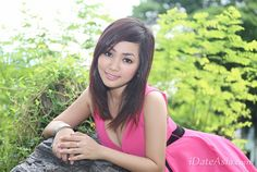 """Luong, 19-year-old lady from Ho Chi Minh City, Vietnam  """" I hope to find a considerate and understanding man to share my life with. Will you be the one? """" iDateAsia profile ID: T352108"""