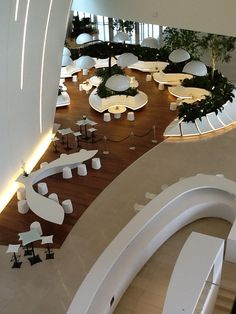 hotel lobby Stunning luxury interior design ideas from modern boutique hotels. Lobby, bedroom, stairways and entryways, a room by room guide to find inspiration with the best interior architecture from world renowned hotels. Lobby Interior, Office Interior Design, Luxury Interior Design, Hotel Lobby Design, Design Entrée, Stand Design, Design Ideas, Hotel Interiors, Office Interiors