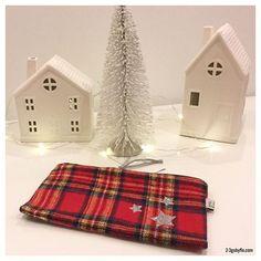 On sale now on the website www.2-3gobyflo.com  #23gobyflo #pouch #pouchmakeup #case #pencilcase #gingham #tartan #ecossais #madeinusa #handemade #star #stars #silver #mydesign #simplicity #simpleisbeautiful #minimalist #mininal #christmasstocking #winter