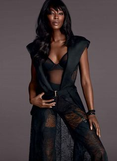 LA PERLA F/W 2015-16 http://bit.ly/LaPerlaArezzo  #NaomiCampbell #lingerie #sexy