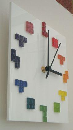 Rainbow Tetris tetriminos on white gloss acrylic wall by Honeypea Posters Diy, Geek Tech, Diy Clock, Room Themes, Diy Wall Decor, Wall Design, Office Decor, House, Crafty