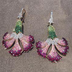 Works of art! Hanut Singh earrings featuring sapphires, diamonds, tsavorite in 18ct gold.