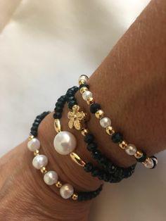 Pearls and Beads Bead Jewellery, Beaded Jewelry, Jewelery, Jewelry Bracelets, Beaded Necklace, Bracelet Crafts, Bracelet Set, Jewelry Crafts, Diy Schmuck