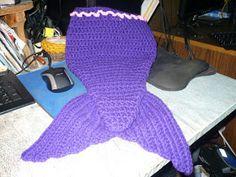 Stitches: Crochet Mermaid Tail (free pattern)