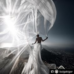 Wedding shots in the mountains of Santorini ��❤️❤️ #bride #world #groom #bridesmaid #wedding #weddings #weddingday #weddingring #weddingdress #weddinghair #weddingphotography #weddingmakeup #weddingmakeup #weddingstyle #weddingideas #beauty #blogger #love #justmarried #arianagrande http://gelinshop.com/ipost/1521730438665062715/?code=BUeRcWAh8k7