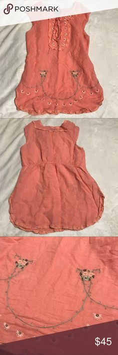 """Free People small Coral linen Embroidered Tunic Excellent condition free People small Embroidered and Lace Coral linen blend Tunic. 55% Linen, 45% cotton. Flat measurements: chest- 19"""", waist- elastic back 16"""", hips- 21"""", length- 29"""" Free People Tops Tunics"""