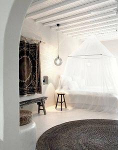 Балдахин в интерьере спальне. Кровать с балдахином. Фото