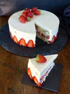 Strawberry Torte Recipe, Blueberry Torte, Raspberry Torte, Apple Kuchen Recipe German, German Torte Recipe, Irish Recipes, Apple Recipes, Sweet Recipes, Mini Desserts