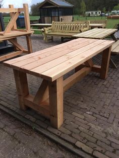 Exterior Wood Table Decks 22 Ideas For 2019 Diy End Tables, Diy Dining Table, Diy Farmhouse Table, Rustic Table, Patio Table, Wooden Tables, Outdoor Tables, Outdoor Furniture Plans, Deck Furniture