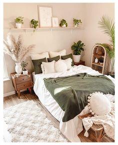 Bedroom Green, Room Ideas Bedroom, Home Bedroom, Bedroom Wall, Master Bedroom, Bedroom Inspo, Bedrooms, Earthy Bedroom, Bedroom Designs